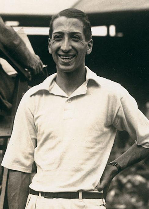 Photo du joueur de tennis René Lacoste polo Les Boomeurs