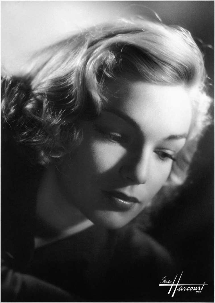 Simone Signoret Harcourt