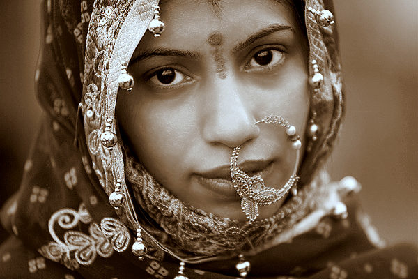 Jeune indienne Jailsamer Inde Les Boomeurs