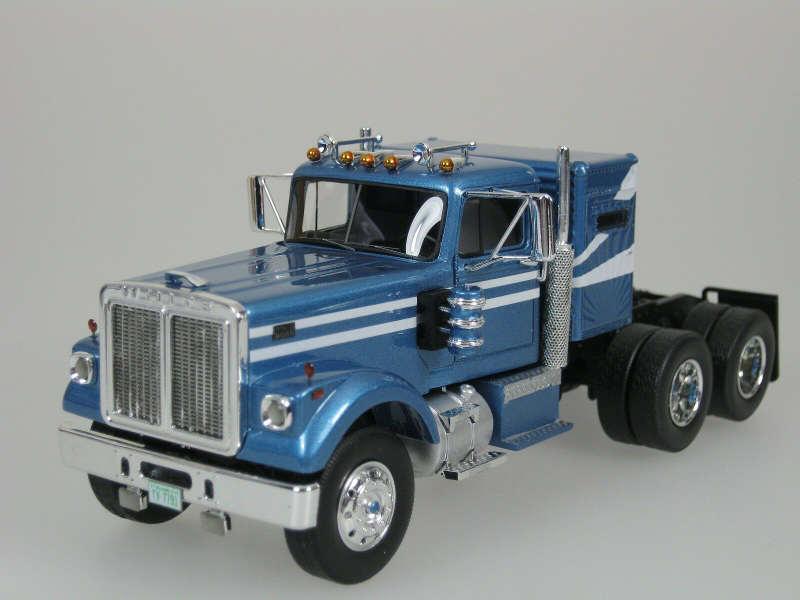 Camions miniatures de la marque Tekno Les Boomeurs