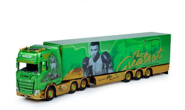 Photo représentant des camions miniatures Tekno de la tournée du boxeur Mohammed Ali Les Boomeurs